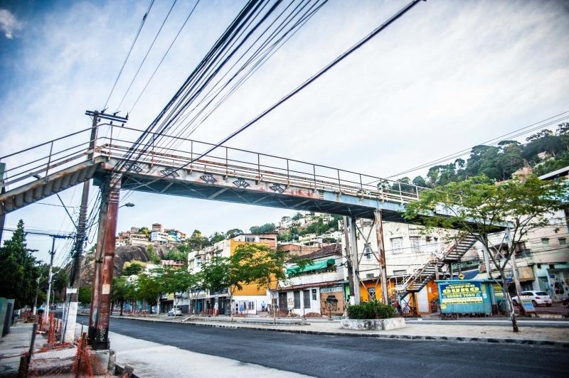 Antiga passarela danificada da avenida Vitória é leiloada
