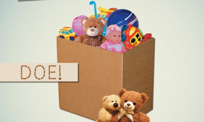 Drive Thru Solidário recolhe alimentos e brinquedos