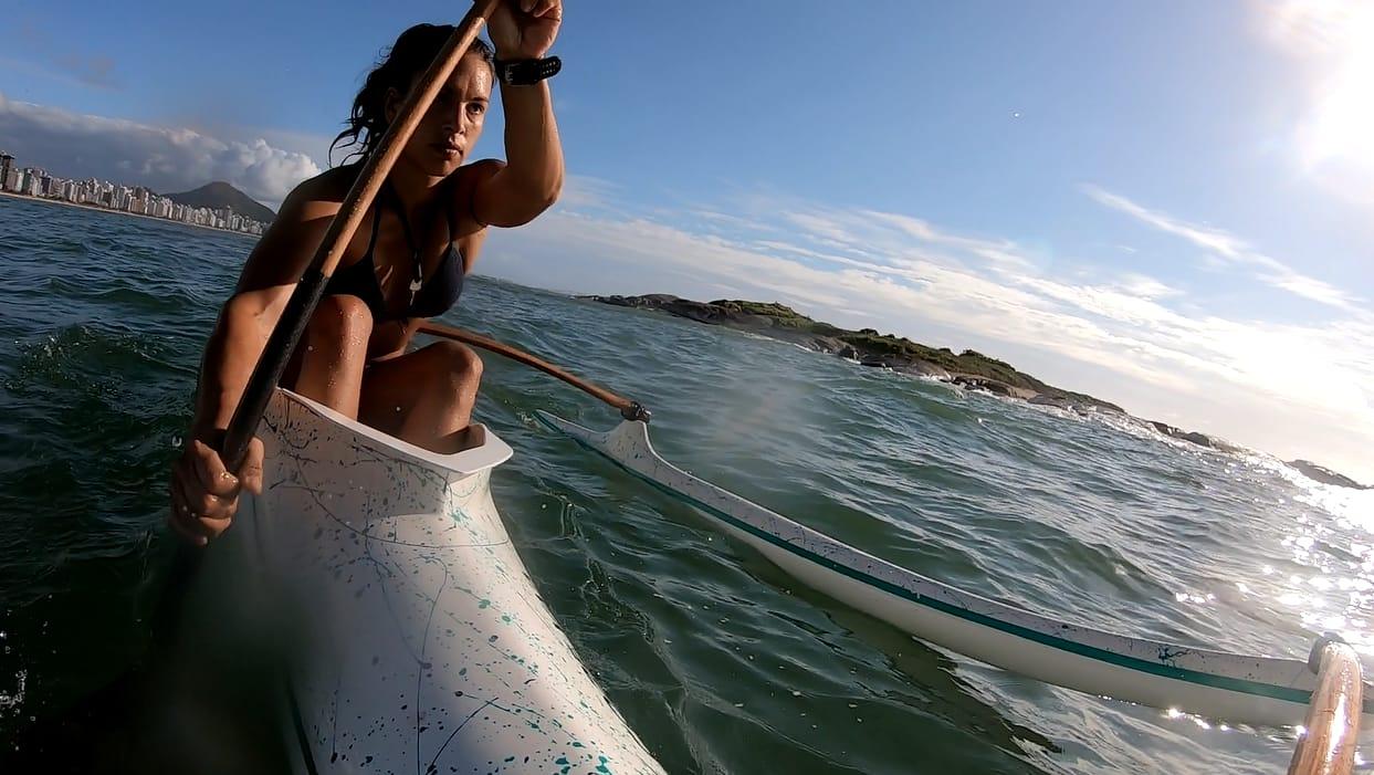 Capixabas destacam os desafios para uma das maiores expedições do Brasil de canoa havaiana com saída de Arraial D´Ajuda (BA) até Niterói (RJ)